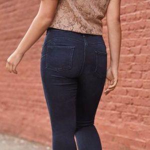 Women wearing blue jeans